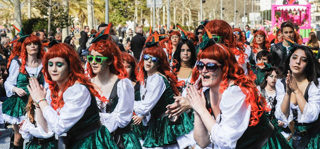 Carnaval Roses Hotel Rambla Figueres 03